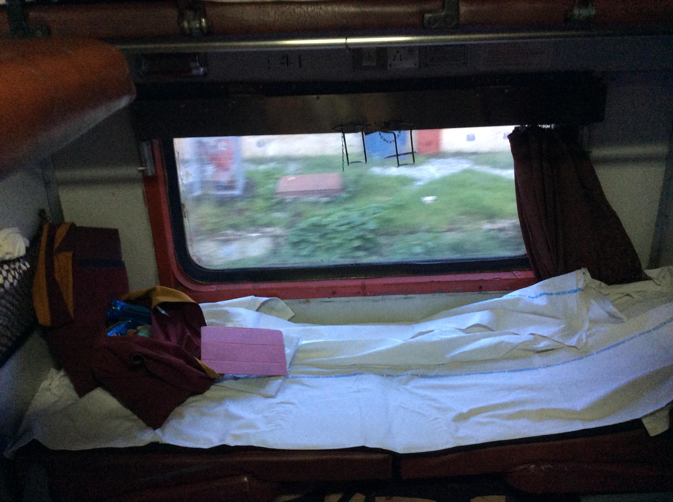 """..und mein Bett """"mit Fester zum Hof"""". I love it!"""